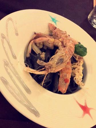 Pennette nere al sapore di mare con cicale!