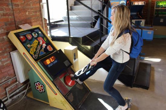 Аттракционы игровые автоматы в петребурге куплю тюнер голден интер стар
