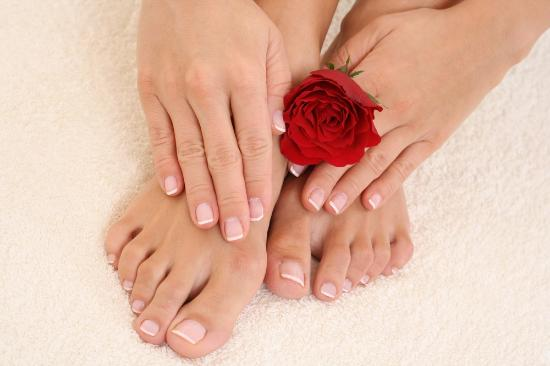 Newmarket, Canada: Manicure and pedicures that last