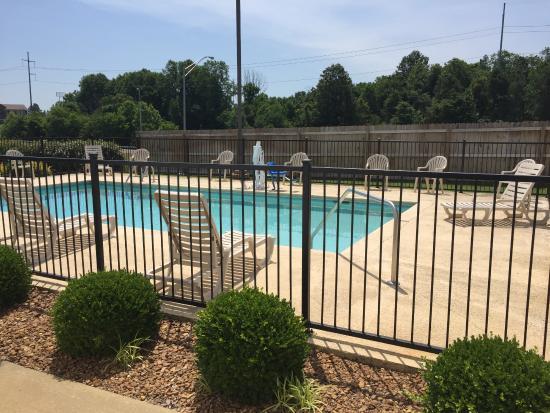 Jackson, TN: pool area
