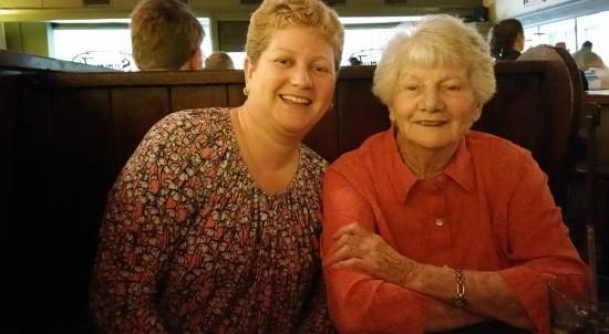 Fredericksburg, VA: My Mom, Dorothy and I at Sammy Ts enjoying Mothers Day weekend