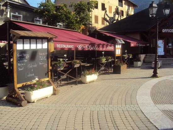 Guillestre, Γαλλία: Terrasse  restaurant O'délices