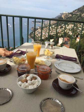 Les Deux Freres: Camera e colazione con vista