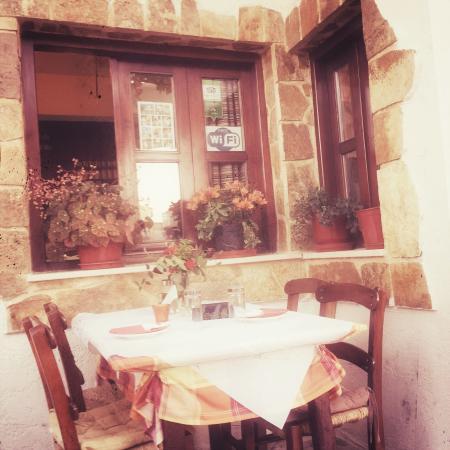 Manolis Taverna-Restaurant: photo0.jpg