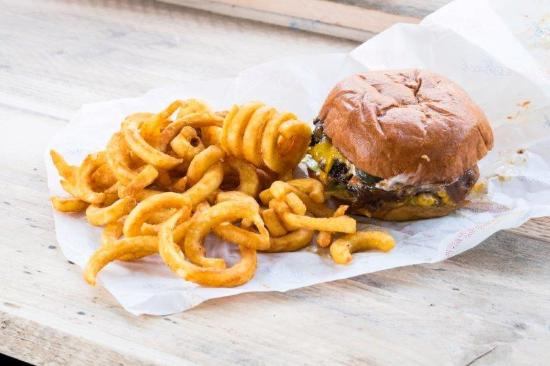Windmill on the Common: Classic Burger at The Burger Shack
