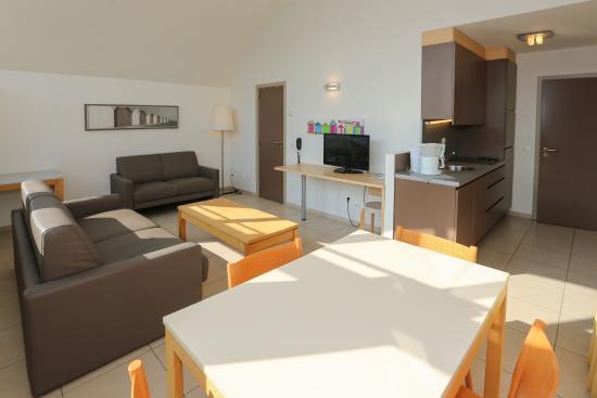 Westende, Bélgica: Kitchen/Livingroom Mastersuite