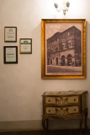 Residenza d'Epoca Palazzo Buonaccorsi: Historical Palace Buonaccorsi  XXIII