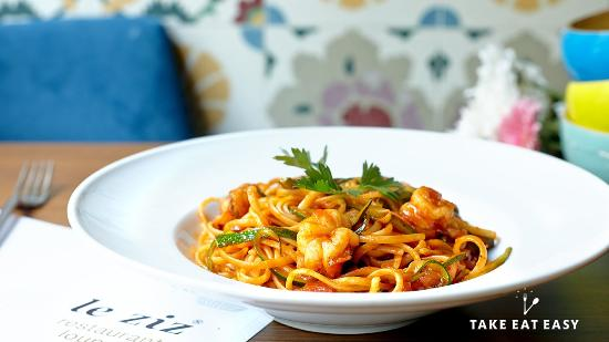 Leziz Restaurant Dalston Junction: Spaghetti with Courgette and Prawns