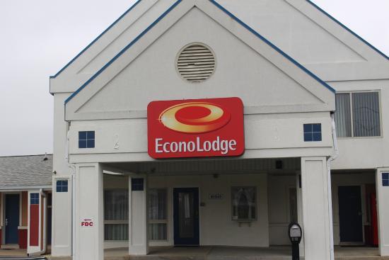 Mechanicsburg, Pensilvanya: Clean exterior, Welcome to the Econo Lodge!