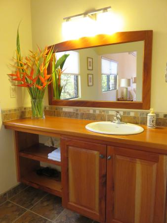 Punta Gorda, Belize: Room #5 sink area