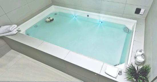 H2O Float Spa