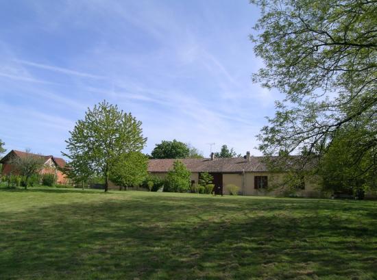 Domaine De Bellevue Cottage: la maison d'hôtes côté nord