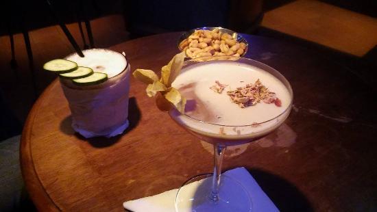 Mayday Club: Due dei meravigliosi cocktail presenti sulla variegata lista del locale.