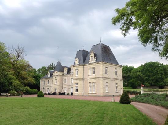 Glenouze, Γαλλία: Chateau de Jalnay has a distinctive sense of place