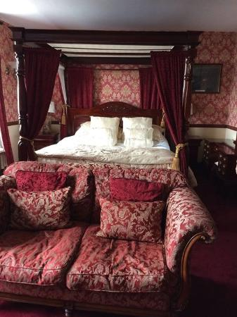 Super King Size Four Poster Bed Picture Of The Ivy House Gastro