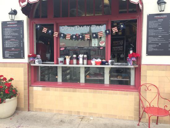 Clayton's Coffee Shop: photo0.jpg