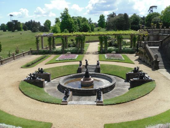 Hampshire, UK: Beautiful grounds