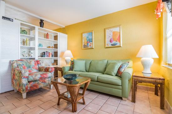 Sunset Beach House Hugger Suite