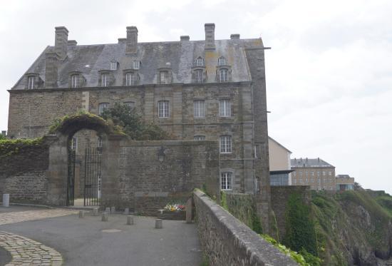 Enceinte fortifiee de la Haute ville de Granville