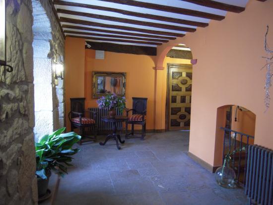 Hotel Arganzon PLAZA : zona común entre salas de juegos y acceso a habitaciones