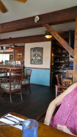Charley's Restaurant: Inside