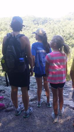 Rim Rock's Dogwood Cabins: Hiking