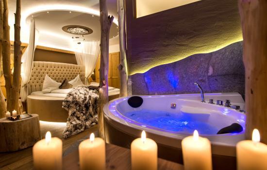 ABINEA Dolomiti Romantic SPA Hotel: Camera romantica ABINEA