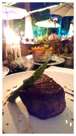 Bistro Plaza Santa Gertrudis: Le filet de boeuf Tendresse et saveur.  La cuisson maîtrisée à la perfection  Succulent 😋
