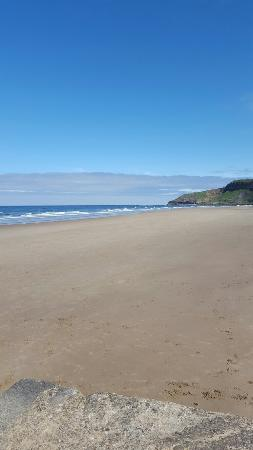 Cayton Bay Beach