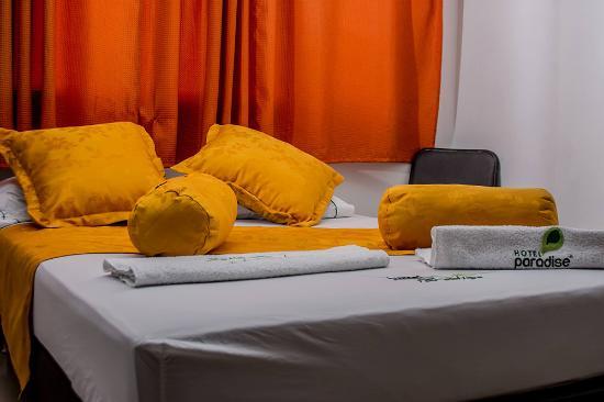 Hotel paradise bulerias medell n colombia opiniones y for Habitacion familiar medellin