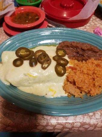 Helotes, TX: Chicken Enchiladas