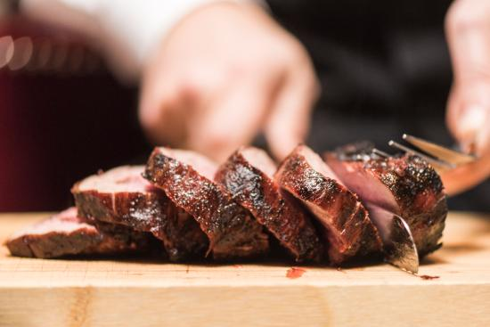 Caesar's Steak House and Lounge : Chateaubriand Table Side
