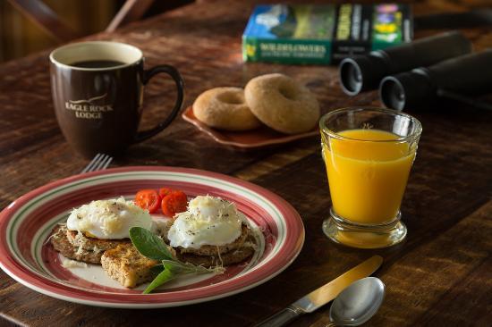 Vida, Орегон: breakfast at the Lodge
