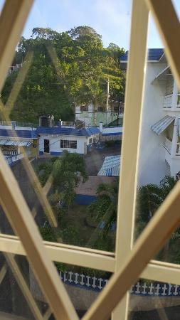 Tropics View Hotel: 20160521_061528_large.jpg