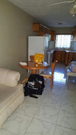 Tropics View Hotel: 20160521_065346_large.jpg
