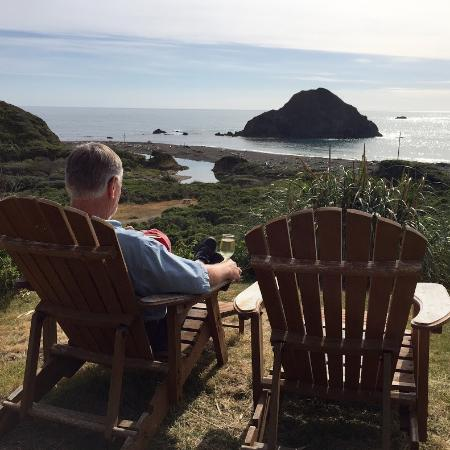 The Elk Cove Inn & Spa: Tough life....