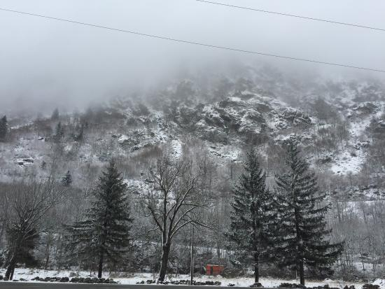 La Cortinada, Andorra: قريب من الحدود الفرنسيه