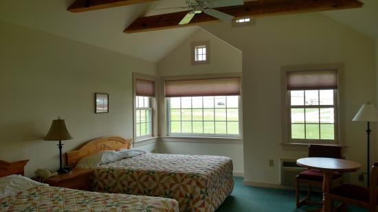 Spruce Lane Lodge & Cottages: Room