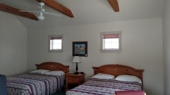 Spruce Lane Lodge & Cottages: Double Queen