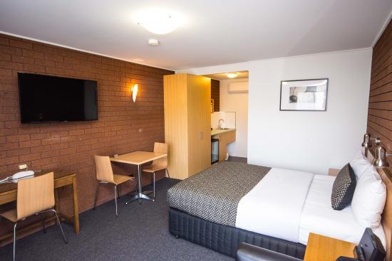 Hamilton Lonsdale Motel: Deluxe Room