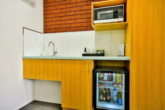 Hamilton, أستراليا: Deluxe Room Kitchenette