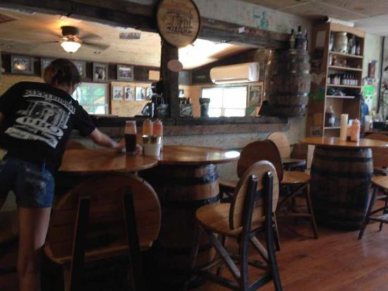 Tables And Chairs Made Of Jack Daniels Barrels Cute Decor