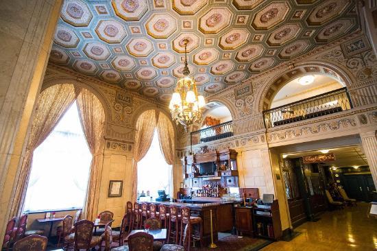 Best Restaurants Near University Of Louisville