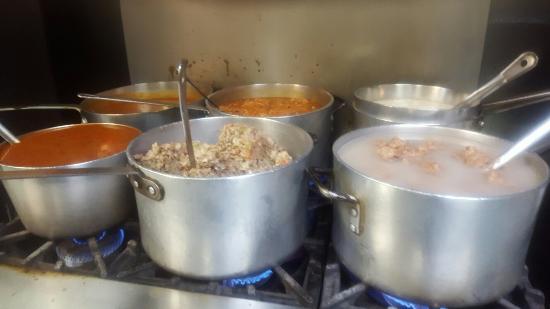 Columbia, NC: Preparando la comida de la boda