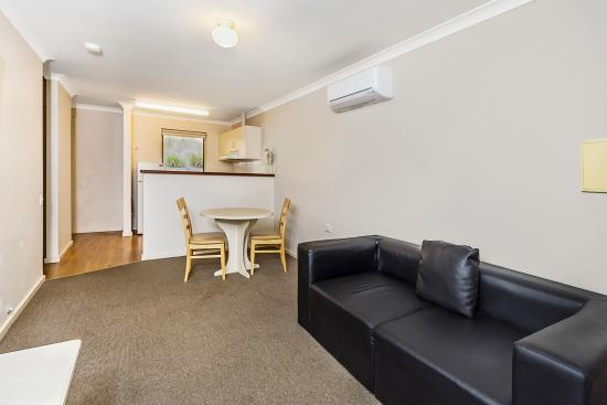 Quality Suites Banksia Gardens Albany: Fully equipped apartment
