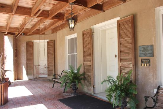 Natchez, MS: Outside patio