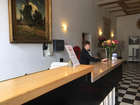 Rokin Hotel: Reception desk