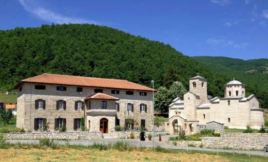 Manastir Djurdjevi Stupovi, Berane zadužbina Prvoslava ( Tihomira) Nemanjića. Gradnja manastira