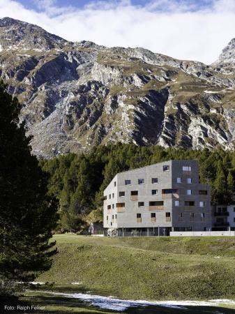 Maloja, Швейцария: Aussenansicht Tag