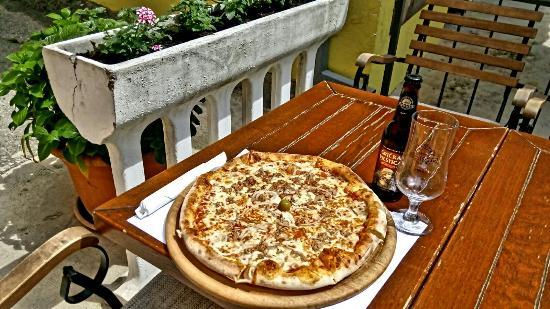 Moscenicka Draga, Κροατία: La Vita Pizzeria & Bar